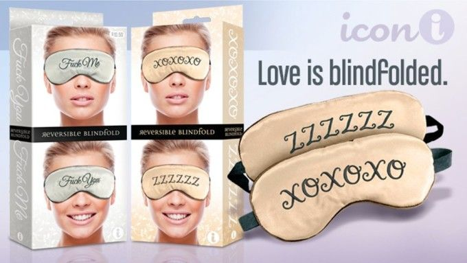 Showcase of the box with a picture of the front and back of the XOXO Mask blindfold.